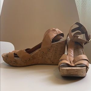 Lucky Brand wedges, size 9.5. Super comfy